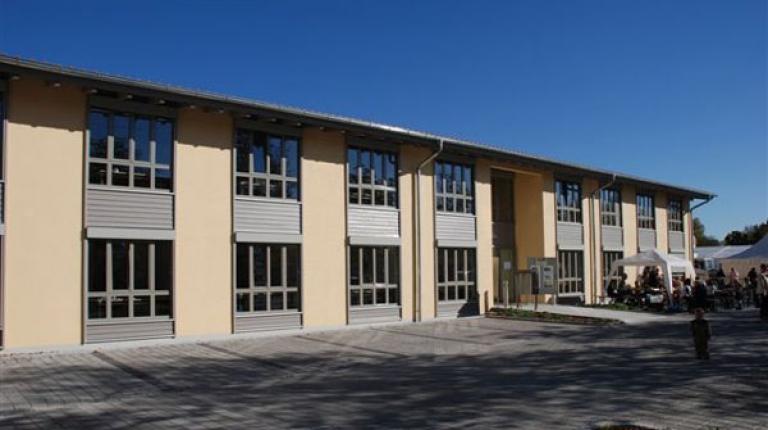 Bei Neubaumaßnahmen wie hier bei der Geschäftsstelle Ingolstadt setzt der Bauernverband bevorzugt auf Holz und gibt damit selbst ein Beispiel für den Klimaschutz.