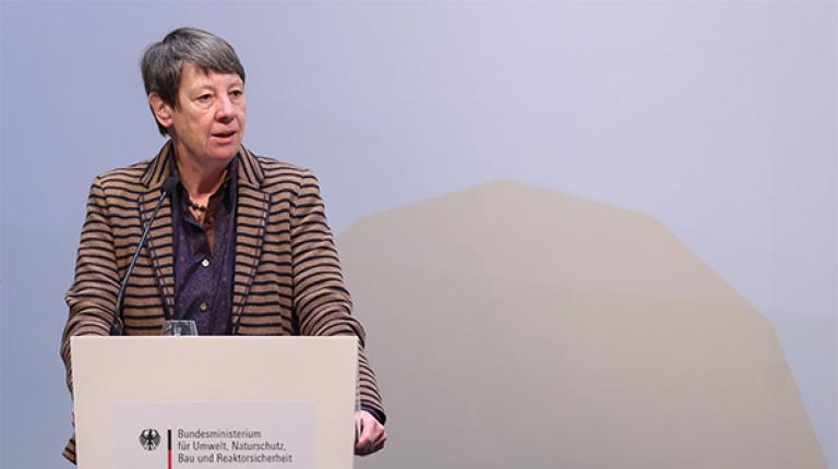 Ministerin Hendricks auf dem Kongress