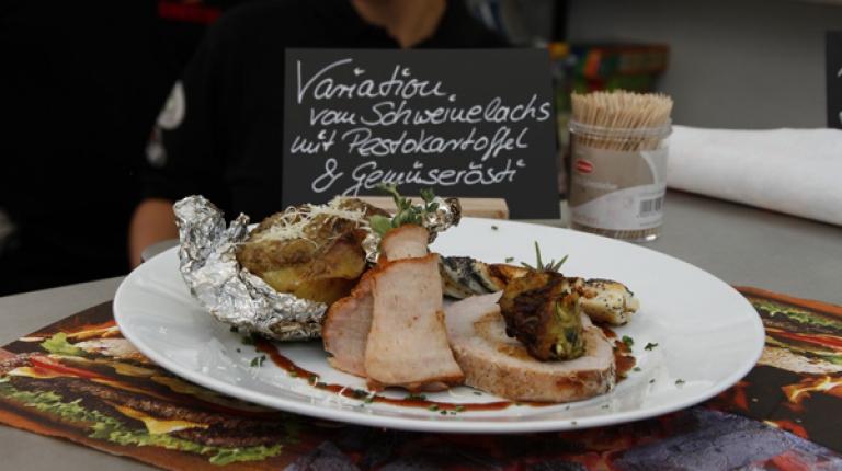 Seit Jahren stehen Martin Schulz und seine Frau Cornelia am Grill und probieren Neues aus.