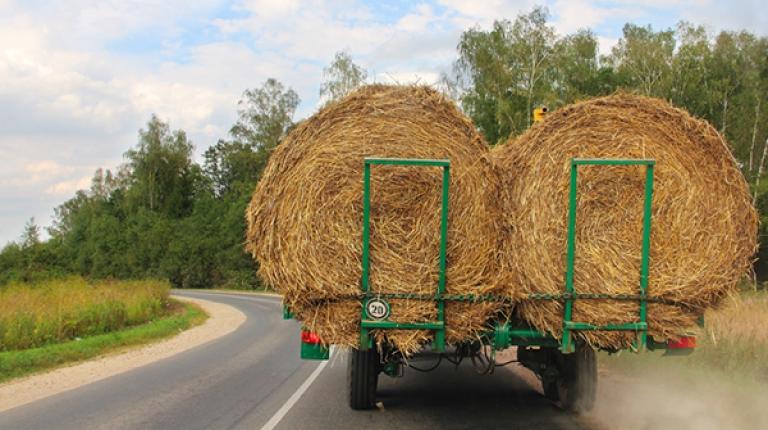 Mit dem neuen Gesetz werden auch lof-Fahrzeuge bis zu einer Höchstgeschwindigkeit von 40km/h bei gewerblichen beziehungsweise geschäftsmäßigen Beförderungen von der Maut befreit