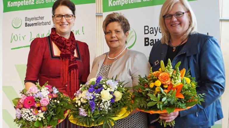 Das frisch gewählte Führungstrio der bayerischen Landfrauen: die 1. stellvertretende Landesbäuerin Christine Singer, Landesbäuerin Anneliese Göller und die 2. stellvertretende Landesbäuerin Christine Reitelshöfer