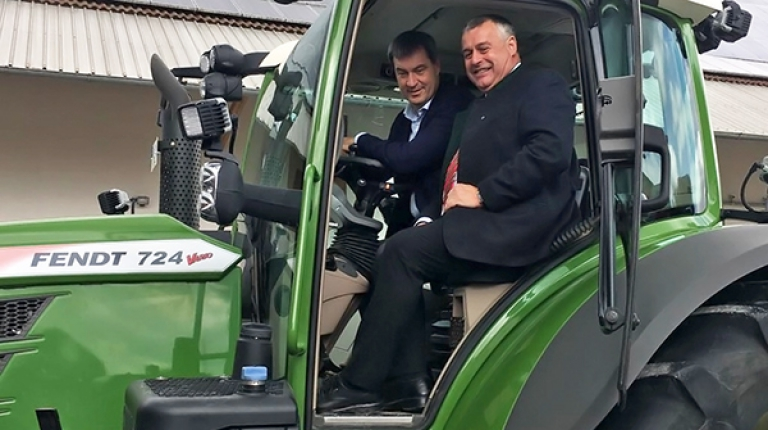 Staatsminister Söder und Bauernpräsident Heidl unterzeichneten gemeinsam den Digitalisierungspakt für die Land- und Forstwirtschaft