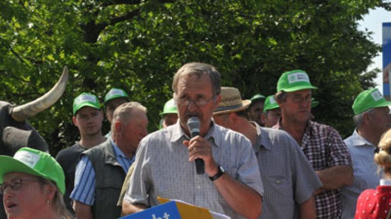 Download der Bilder zur Schlepper-Demonstration Waldkraiburg in der BBV-Mediathek