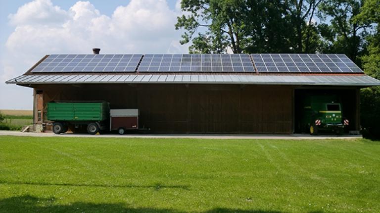 Eine regelmäßige Reinigung erhält die Leistungsfähigkeit Ihrer Solaranlage