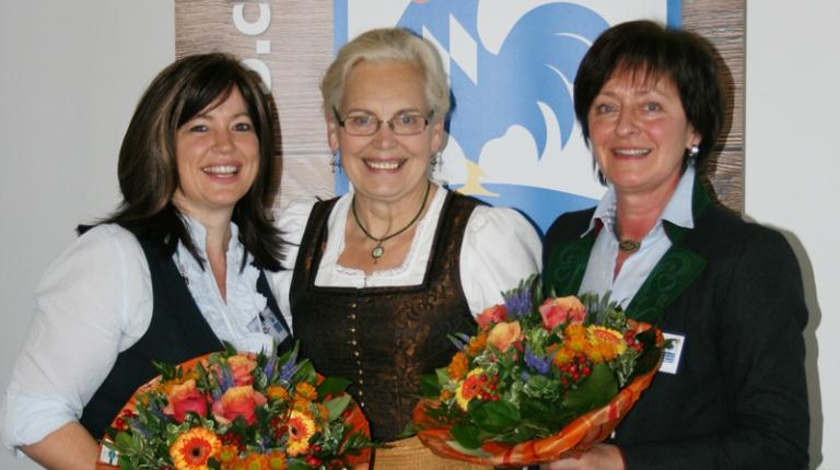 Neuer Vorstand beim Landesverband Urlaub auf dem Bauernhof: 2. Vorsitzende Angelika Soyer, Landesbäuerin Annemarie Biechl und Vorsitzende Gerda Walser (v.l.n.r)