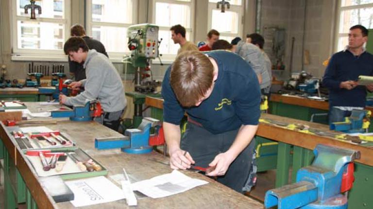 Der Startschuss für den Berufswettbewerb der Deutschen Landjugend 2015 ist gefallen.