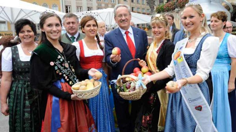 Der Marienplatz wird zum LebensMittelPunkt Landwirtschaft Produkthoheiten werben für das Jubiläums-ZLF