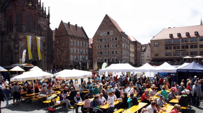 Schlemmen auch Sie auf der Bauernmarktmeile in Nürnberg.