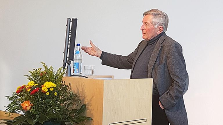 Alois Glück auf dem Ehemaligentreffen der Grundkursler im Haus der bayerischen Landwirtschaft