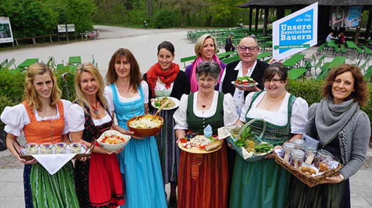 Mit leckeren Salaten hatten sich acht Finalisten im Rezeptewettbewerb zur Biergartensaisoneröffnung qualifiziert