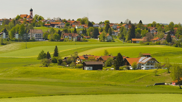 In Bayern gibt es rund 100.000 Bauernhöfe. In den Sondierungsgesprächen wurden einige Maßnahmen vereinbart, die diese kleineren Struktuen vor unlösbare Probleme stellen.