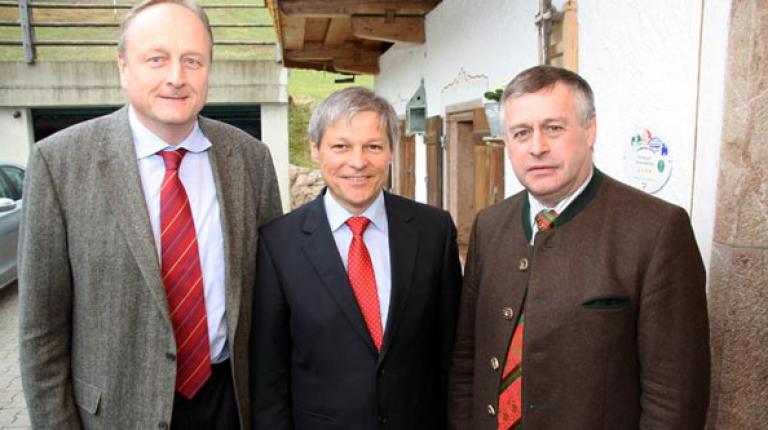 Am Rande der Agrarministerkonferenz in Berchtesgaden trafen sich DBV-Präsident Joachim Rukwied und BBV-Präsident Walter Heidl mit Agrarkommissar Ciolos.