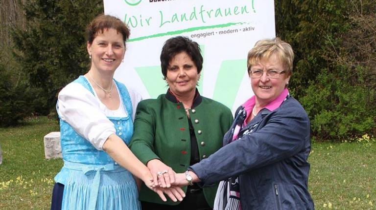 Anneliese Göller (Mitte) ist die neue Landesbäuerin. Zu Stellvertreterinnen wurden Anni Fries (r.) und Christine Singer (l.) gewählt
