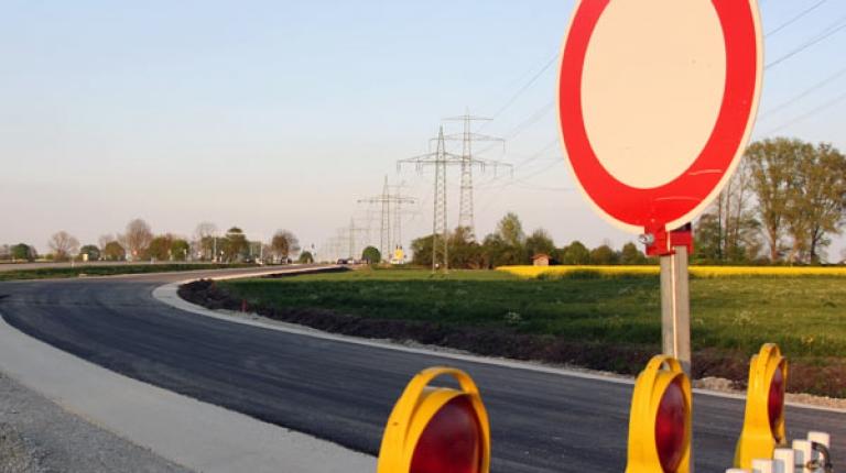 Mehr als 18 Hektar fruchtbarer Boden verschwinden in Bayern täglich unter Beton und Teer.