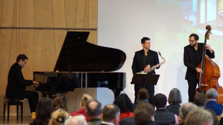 Musikalisch umrahmte das Christian Schuhmacher Trio den Jahrestag des Hauses der bayerischen Landwirtschaft.