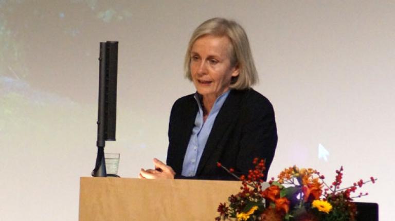 """Prof. Dr. Ursula Münch referierte über das Thema """"Näher ran! Das Vertrauen in die Politik stärken""""."""