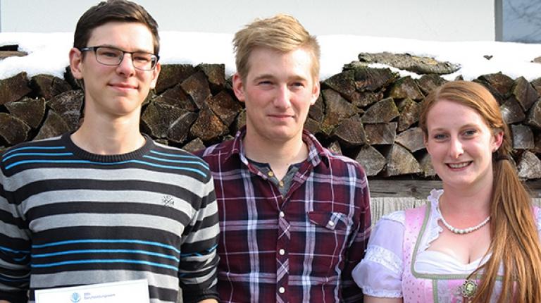 Die Sieger aus Landwirtschaft I von links nach rechts: Michael Schuhmann (2. Platz), Thomas Fleischmann (1. Platz), Julia Göggelmann (3. Platz)