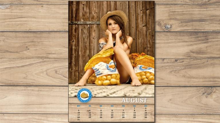 Für den August hat Katharina Diepold posiert.