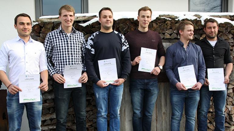 Die Sieger des Teamwettbewerbs Landwirtschaft II von links nach rechts: Robert Klüpfel und Peter Reitz (3. Platz), Axel Roth und Felix Wachsmann (1. Platz), Sebastian Zeller und Michael Reili (2. Platz)