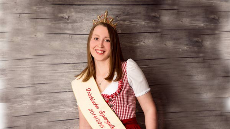 Die frisch gewählte Spargelkönigin Miriam Adel.
