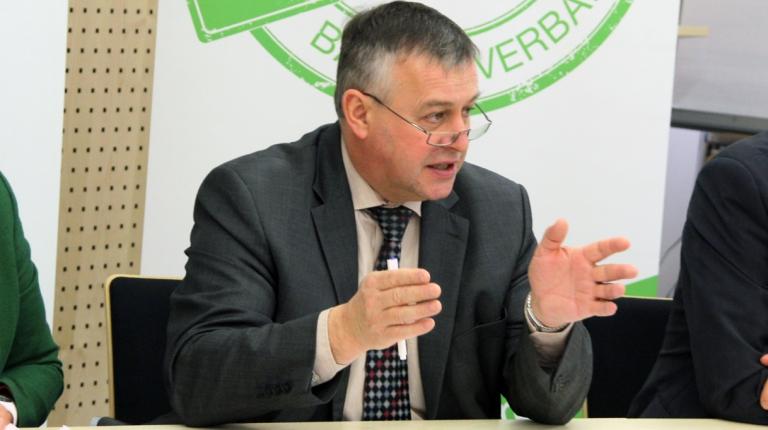 Bauernpräsident Walter Heidl fordert beim Landwirtschaftsgipfel ein klares Bekenntnis zu den bäuerlichen Familienbetrieben in Bayern.