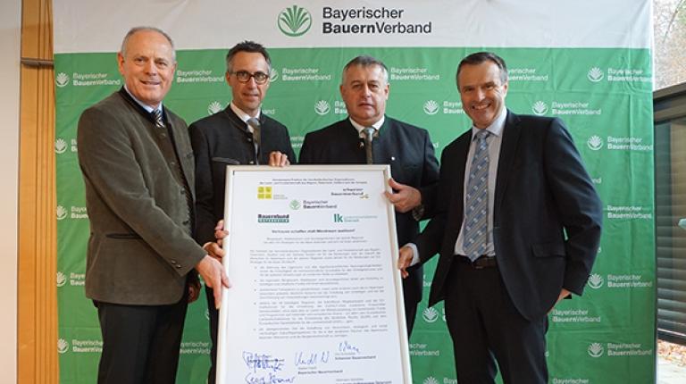 Leo Tiefenthaler, Georg Strasser, Walter Heidl und Urs Schneider unterzeichneten in Herrsching ein gemeinsames Positionspapier.