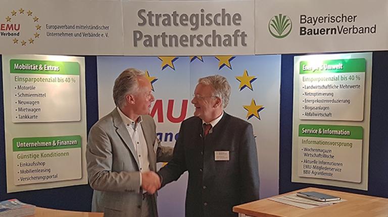 Christian Urban vom Europaverband mittelständischer Unternehmen und der stellvertretende BBV-Generalsekretär Georg Wimmer